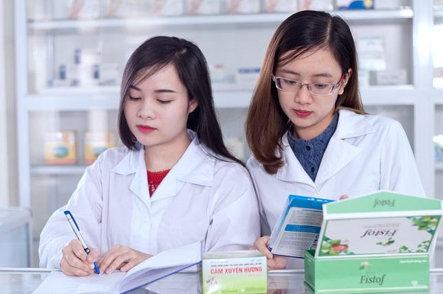 Học phí học trung cấp Dược tại tphcm 2020